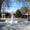 Отдыхаем у фонтана :)