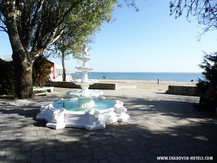 Отдыхаем с видом на море :).